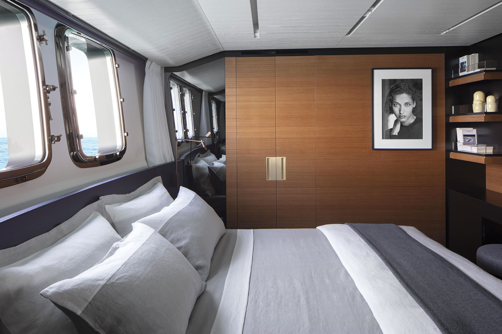 21-Sanlorenzo-SL102-lower-deck-bow-vip-room-photo-Fernando-Lombardi-yachts-france-171