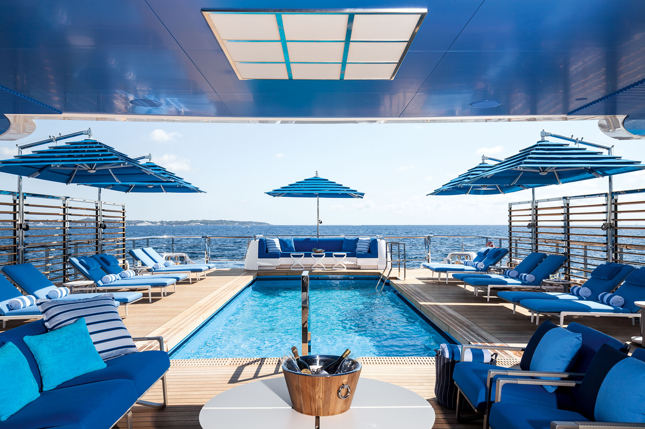 Benetti-MY-Seasense-Main-Deck-Beach-Club-yachts-france-167
