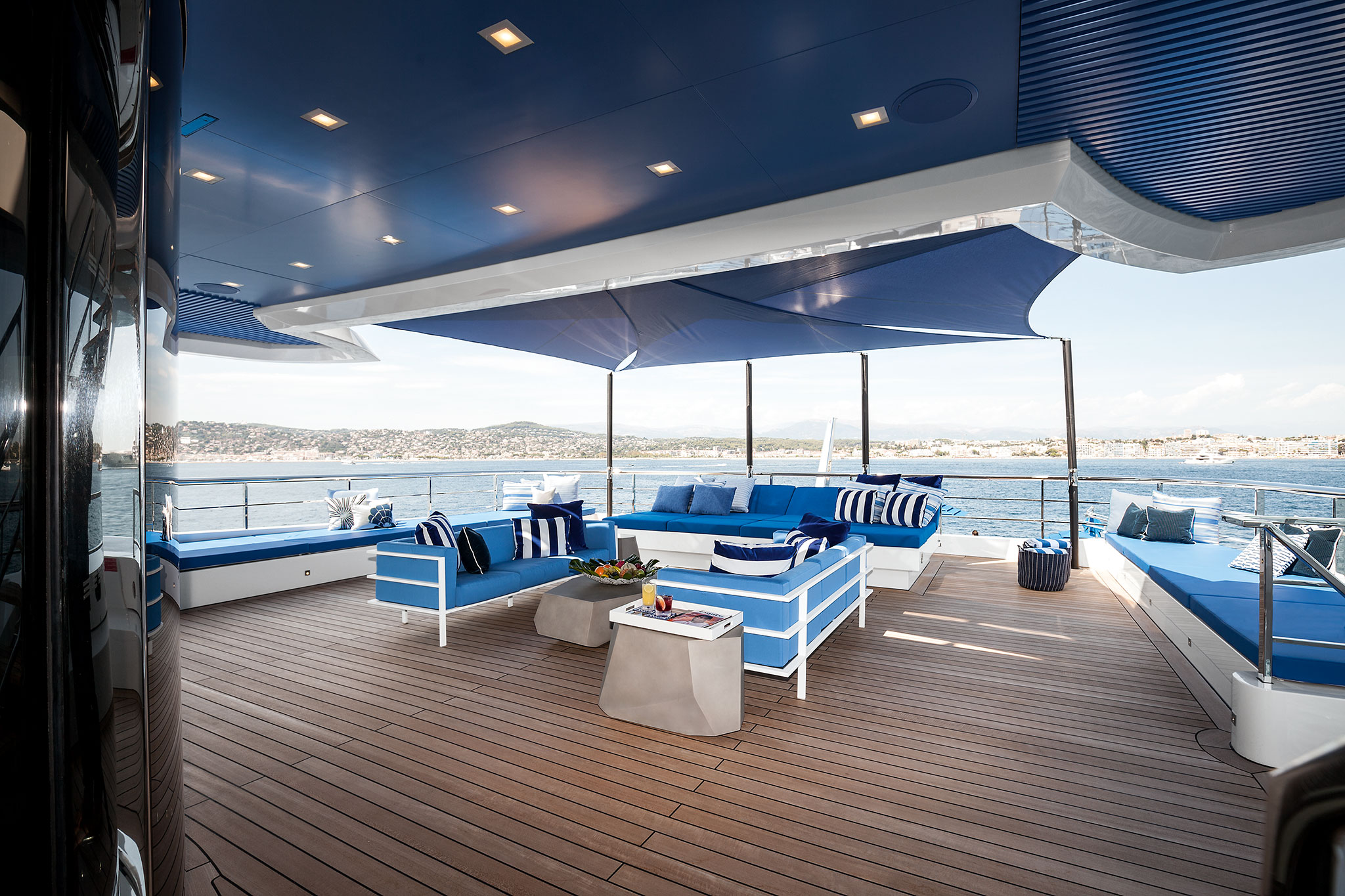 Benetti-MY-Seasense-Upper-Deck-Outside-Lounge-Area-yachts-france-167