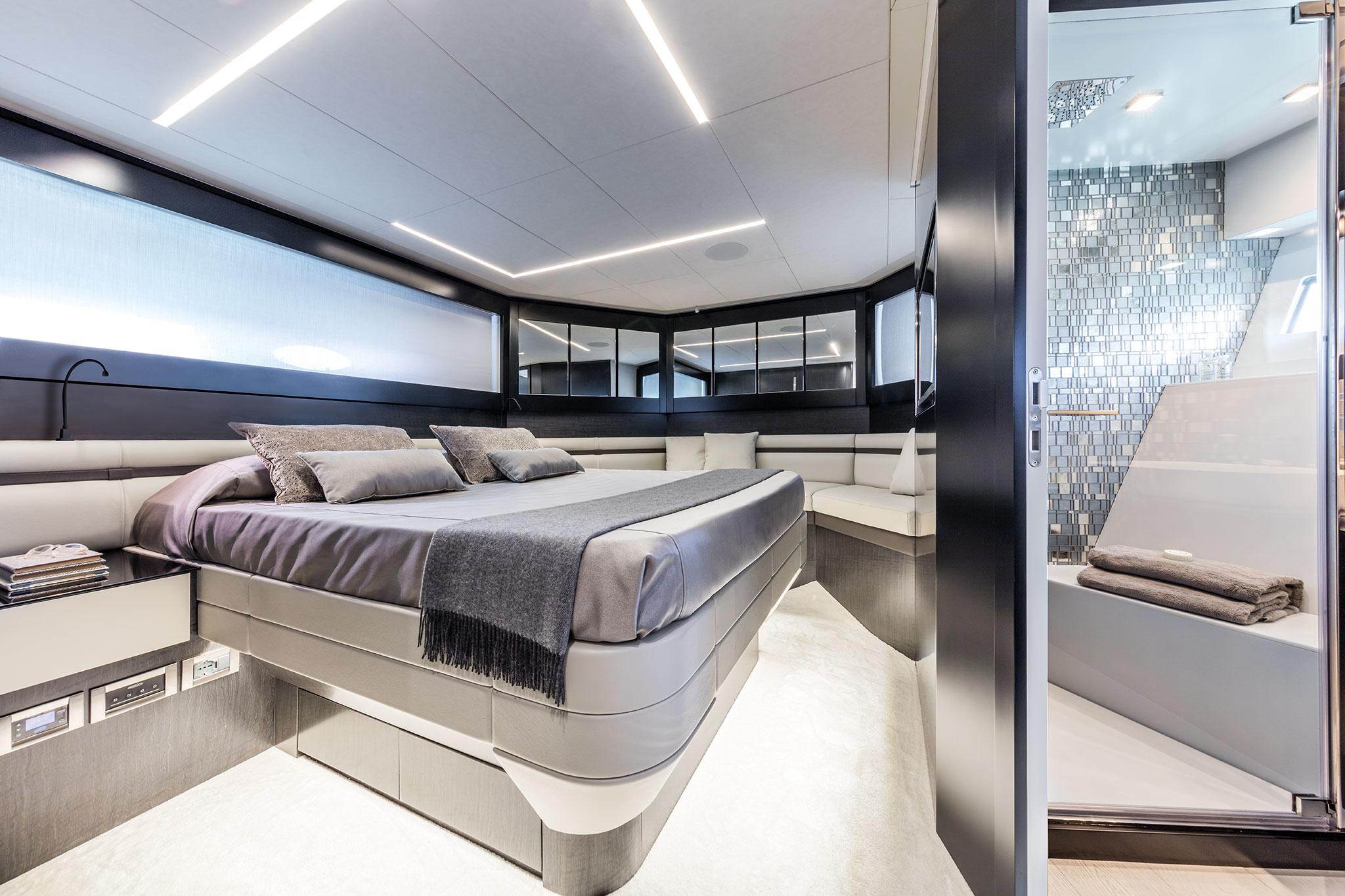 ferretti-group-pershing-9x-yachts-france-171-10