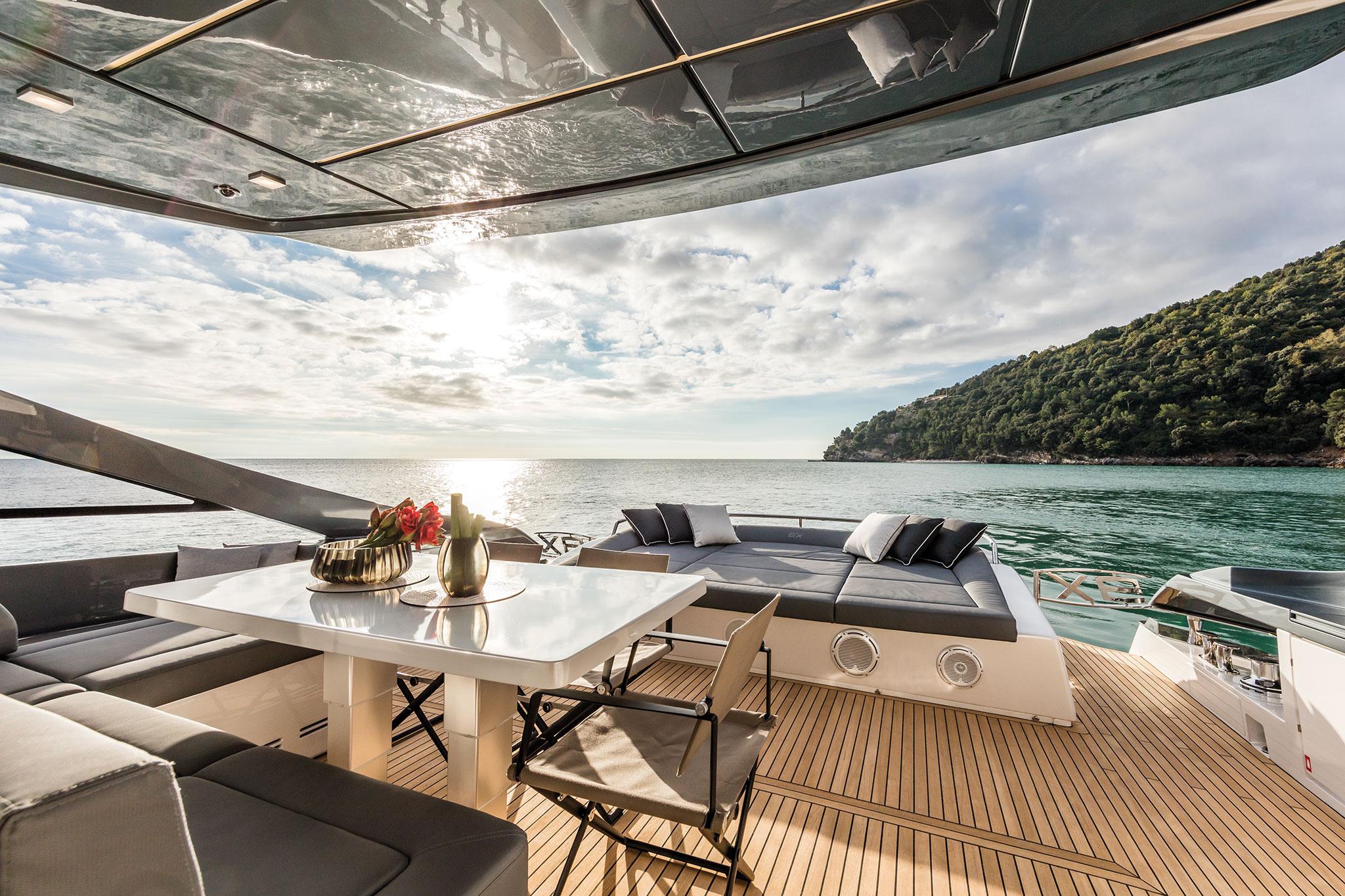 ferretti-group-pershing-9x-yachts-france-171-3