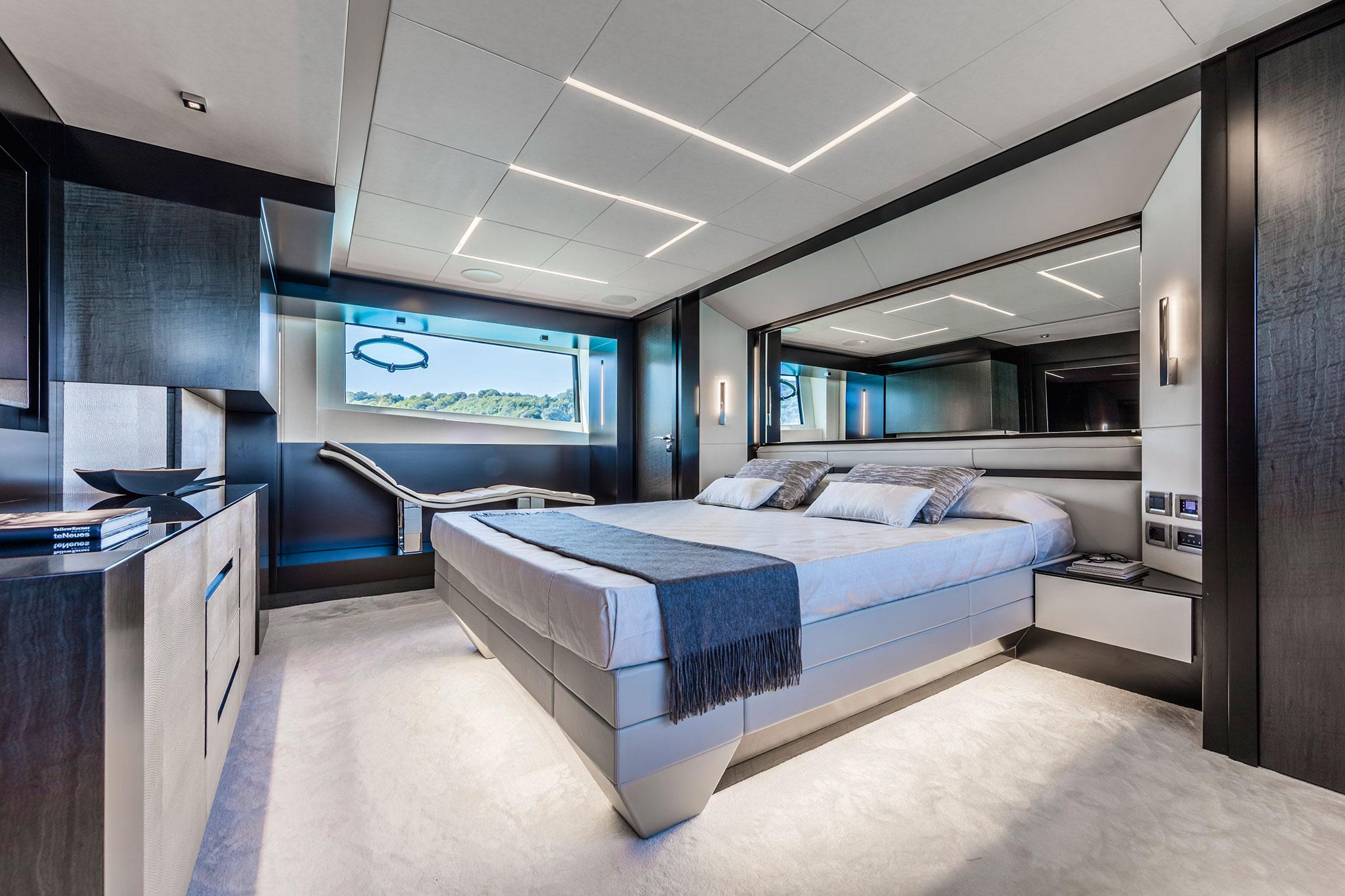 ferretti-group-pershing-9x-yachts-france-171-7