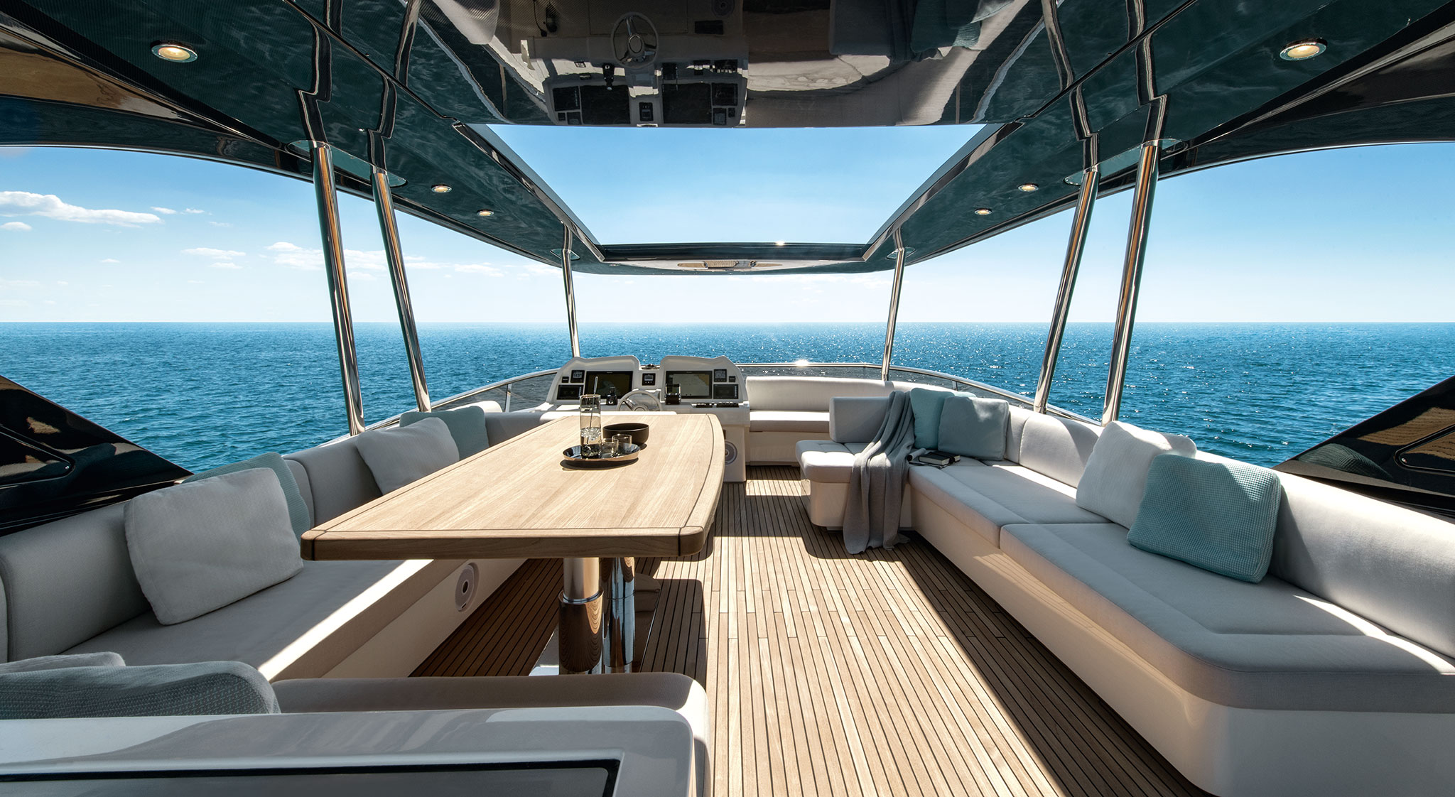 monte-carlo-yachts-70-Flybridge-yachts-france-172