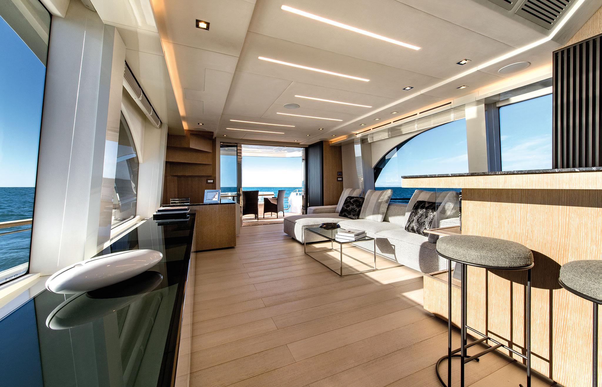 monte-carlo-yachts-70-Salon_03-yachts-france-172