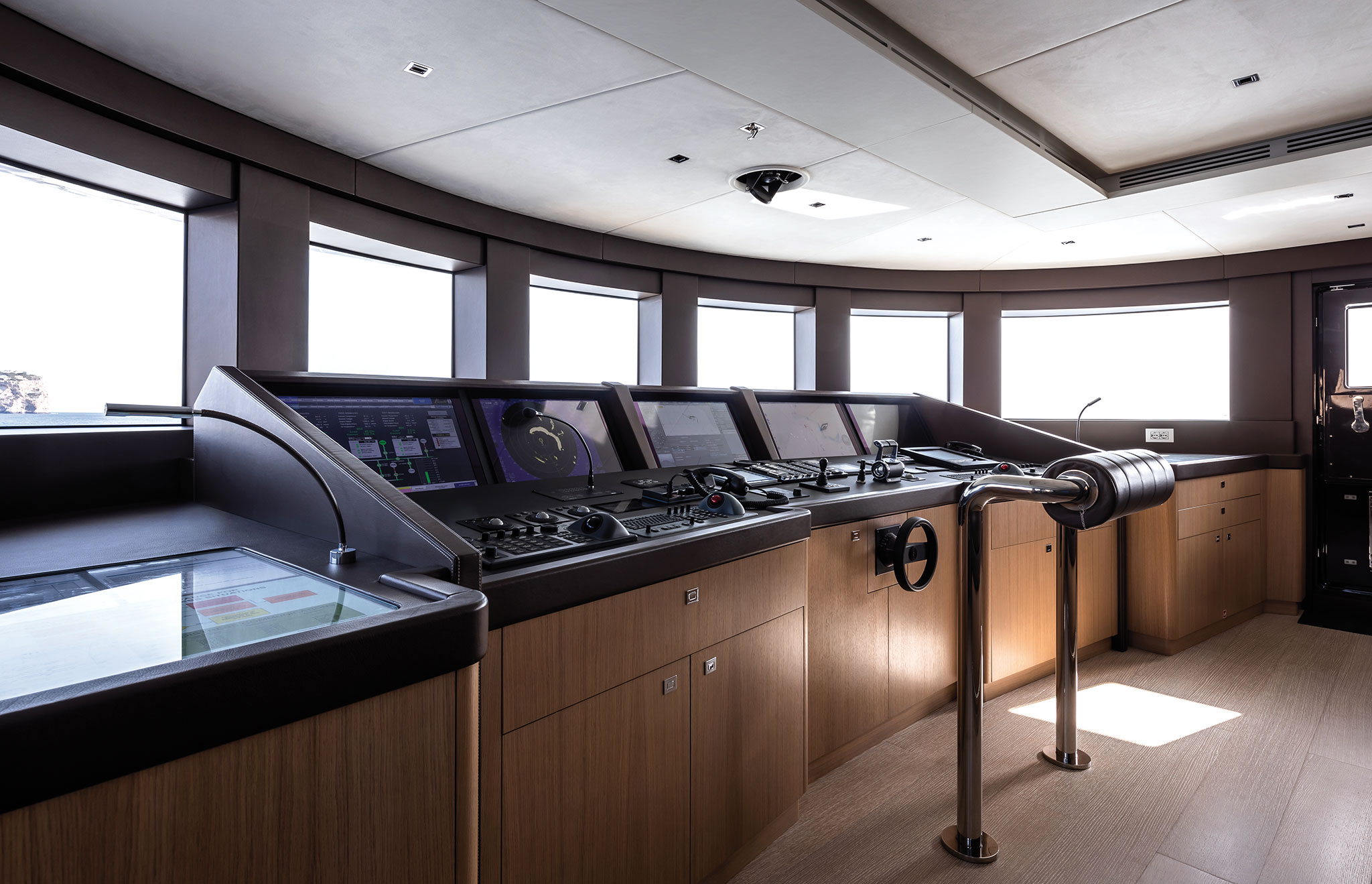 Benetti-FB276-MY-Metis-Interiors-Jeff-Brown-(5)-yachts-france-173