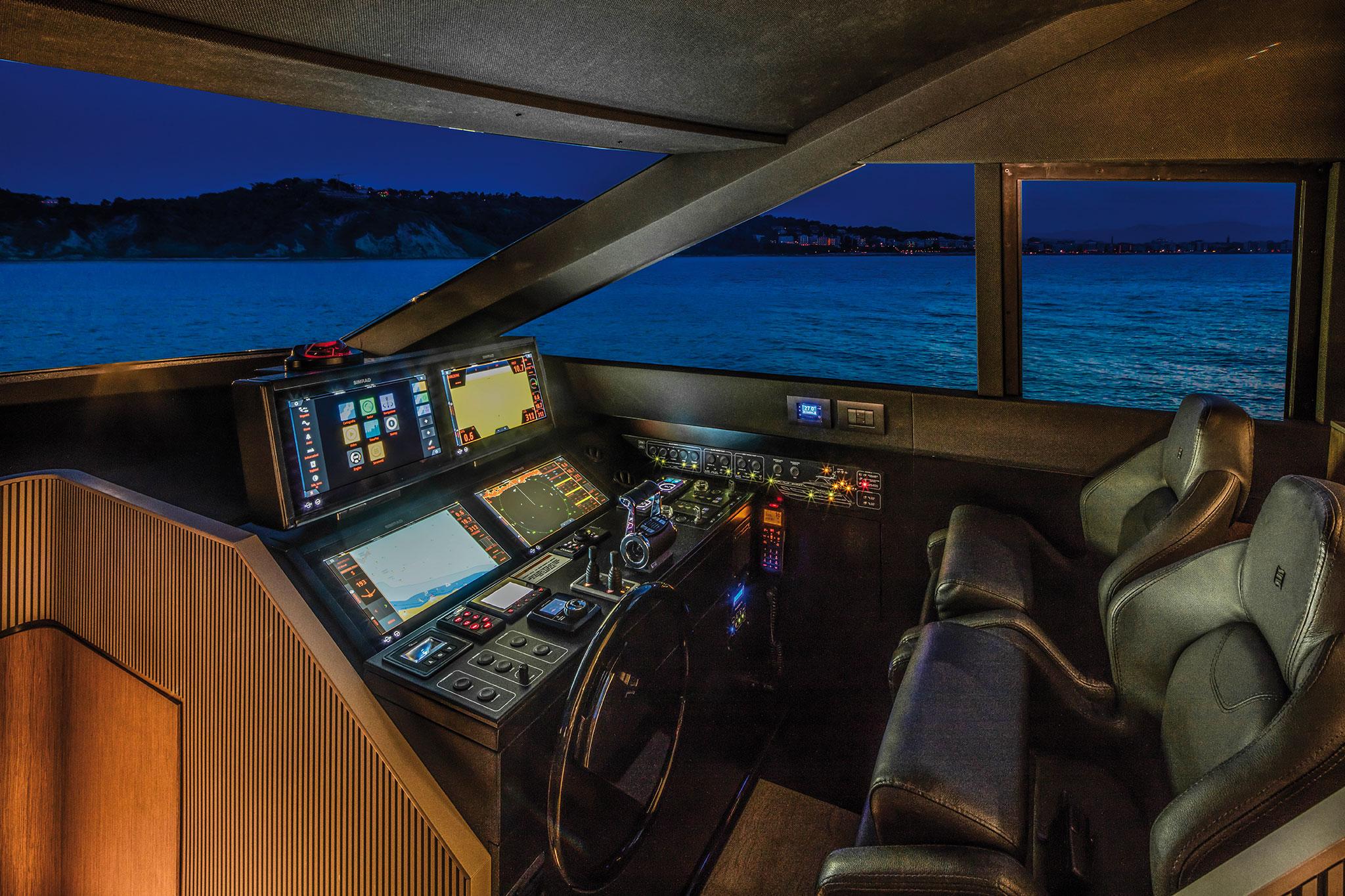 ferretti-Yachts-720-pilot-house-yachts-france-173