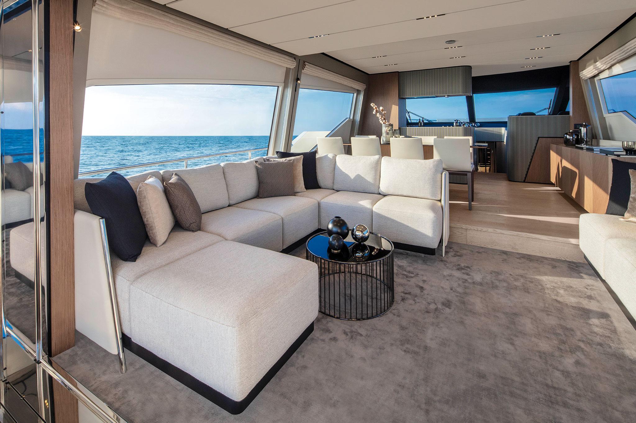 ferretti-Yachts-720-salon_1-yachts-france-173
