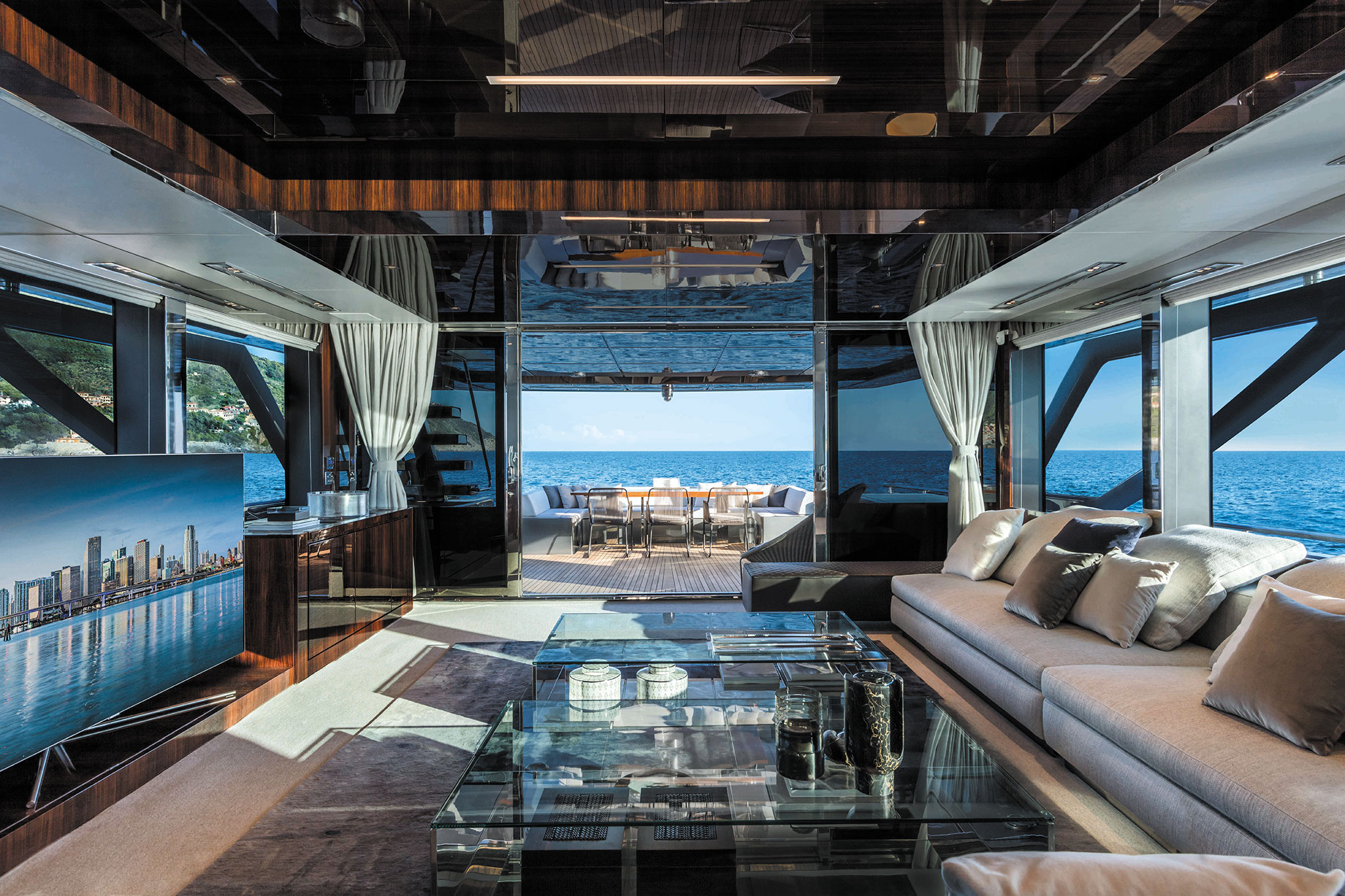 Riva-110-Dolcevita-Yachts-France-171-Interiors-14