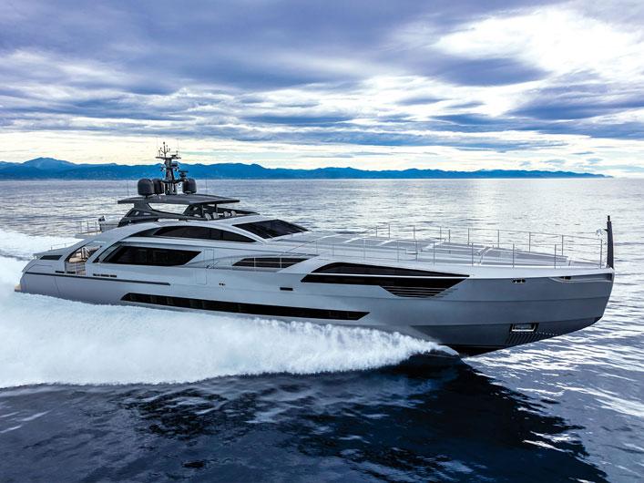 Pershing-140_img_couv-yachts-france-172-ok