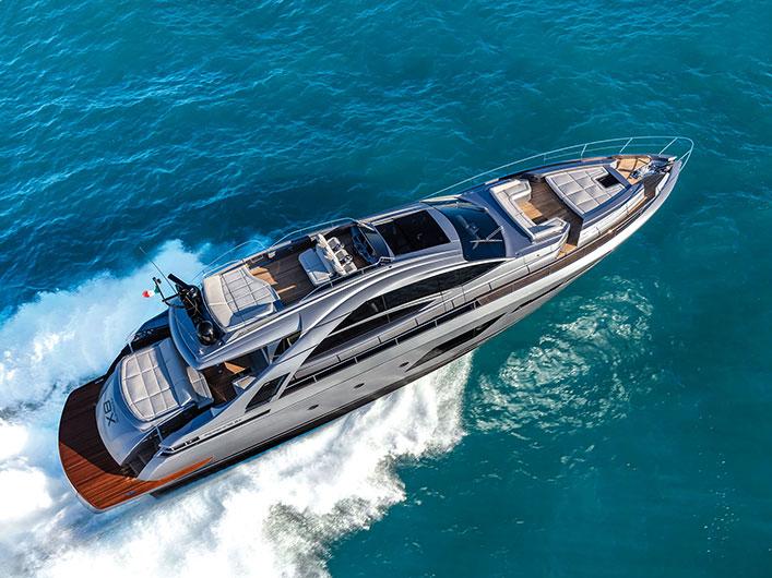 PERSHING-8X-NAV-208-img-couv-essai-portfolio-yachts-france-174