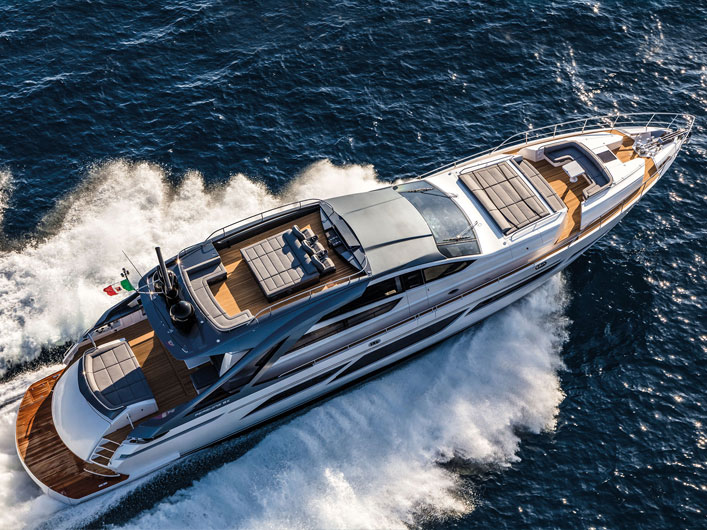 ferretti-group-pershing-9x-img-couv-essai-portfolio-yachts-france-171